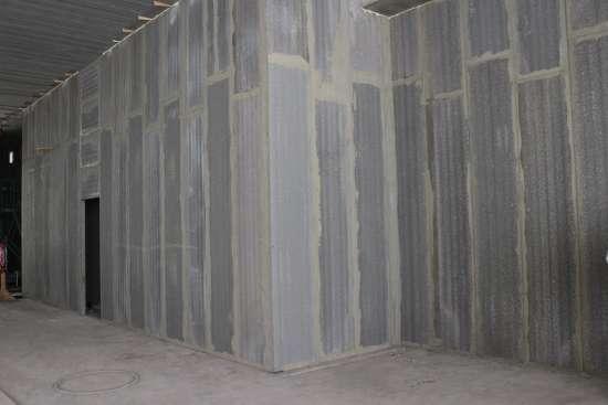 Korkeat väliseinät AKO Wall.jpg